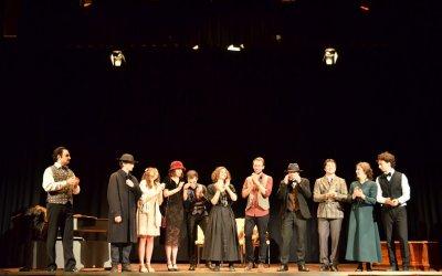 """Photogallery spettacolo teatrale """"L'importanza di chiamarsi Ernest"""" – TIB"""